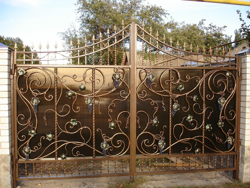 Кованные ворота в Вологде